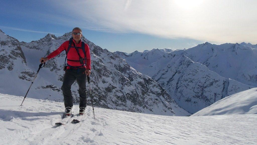 Chregu im Aufstieg aus dem Geretal auf das Gross Muttenhorn. 29.12.2018