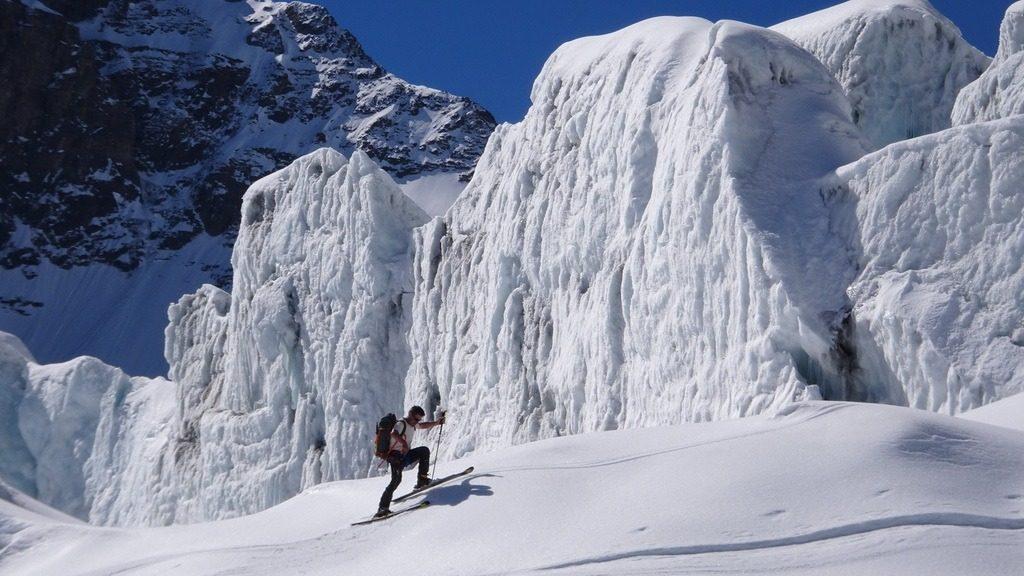 Armin im unteren Eisabbruch des Corbassière-Gletschers. Tour Combin de Boveire. 2.6.2019